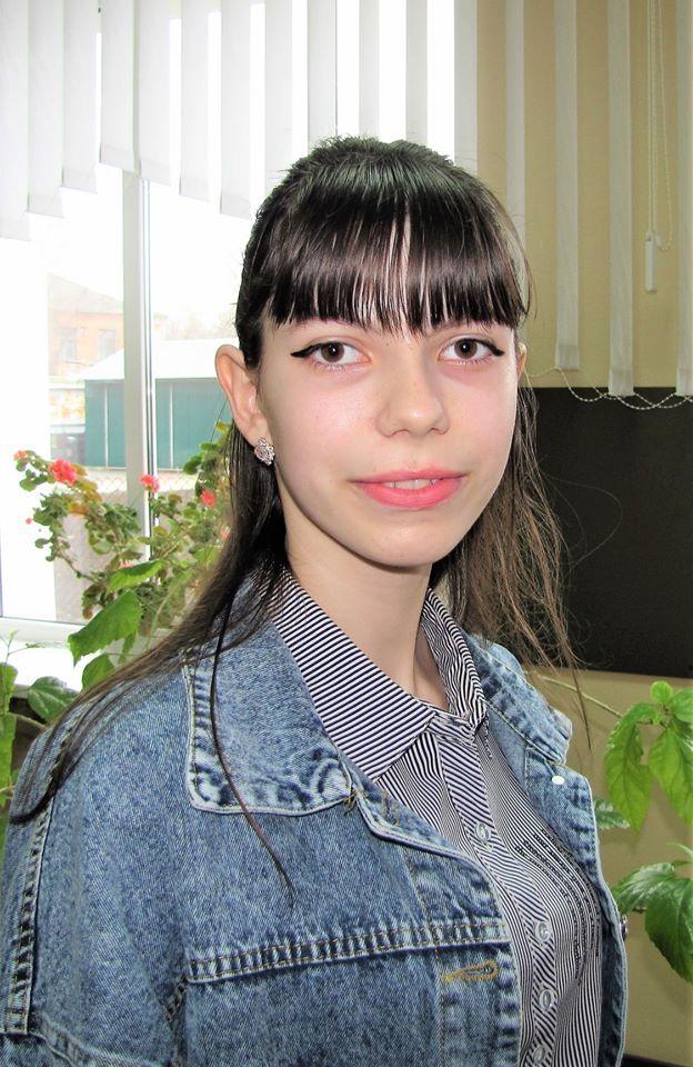 Перший день роботи персональної виставки першокурсниці Олександри Вініченко